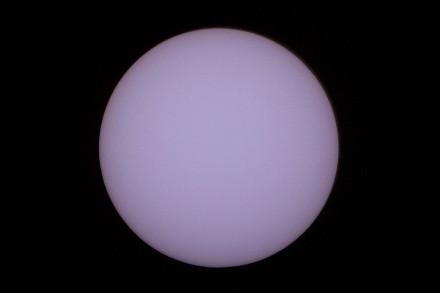 太陽の写真 アストロソーラーフィルター使用 一眼レフ500mmレンズ