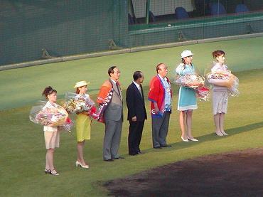 サンマリンスタジアム宮崎での公式戦 2004年 巨人-広島 01