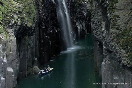 高千穂峡 アメノウズメノミコトの形の石