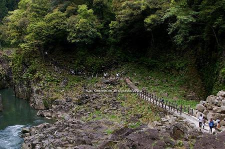 高千穂峡 流木・滝の辺り