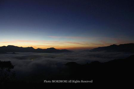 高千穂の雲海 夜明け前 01