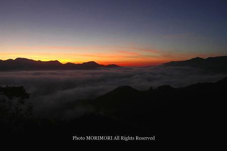 高千穂の雲海 夜明け前 02