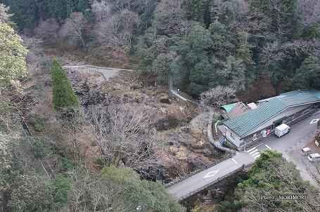神硯の岩(みすずりの岩)02