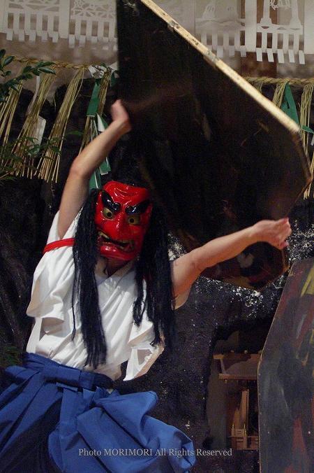 高千穂の夜神楽 戸取の舞