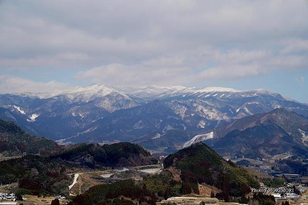 冠雪した祖母山