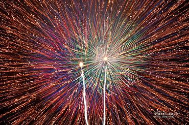 水平線の花火と音楽4 花火の写真 06