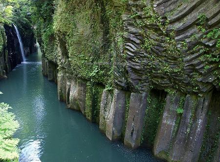 高千穂峡の柱状節理